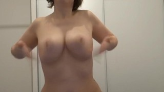Kmille fait danser ses seins Whitegirl cock