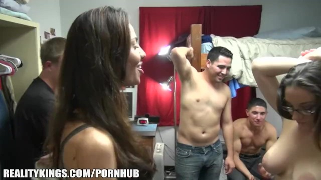 College Dorm Blowjob Threesome