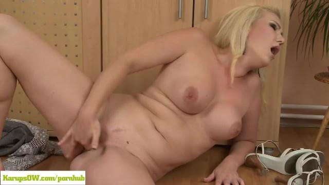 Www karups mature com Blonde housewife caroline masturbating