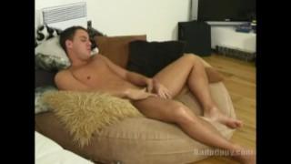 Alec Steel jerkoff workout Brunette orgasmo