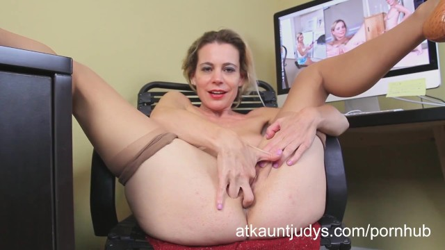 Aunt judys matures Amateur mature housewife pauline marie fingers her wet pussy
