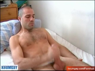 A sexy swimmer guy get wanked his horse cock by a guy !