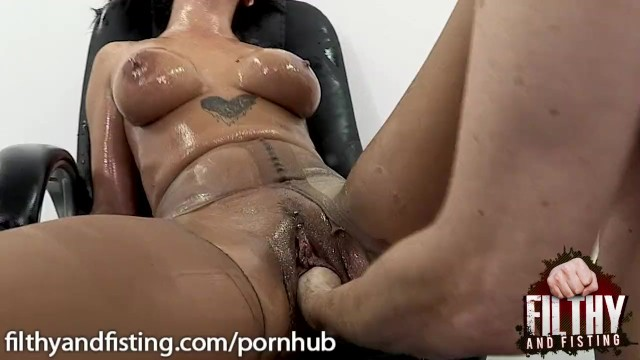 Free porn xn Cathy heaven is rough fucked and fisted