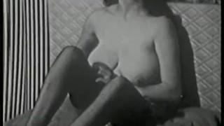 Softcore Nudes 517 50s and 60s - Scene 2 porno