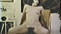 European Peepshow Loops 331 1970s - Scene 4