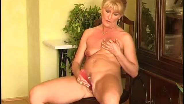 Videos segredos interracial Secrets of horny mature 7 - scene 2