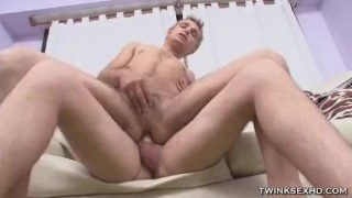 Horny Twinks Cock Sucking And Anal Busting