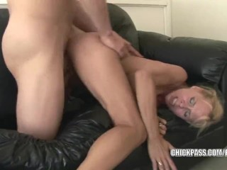 Blonde MILF Payton Leigh gets her mature twat pounded
