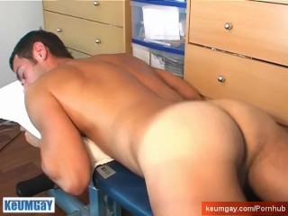 Stew guy serviced: Nicolas get wanked his huge cock by a guy !