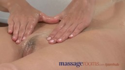 Massage Rooms Stunning redhead orgasms with petite blonde in lesbian romp