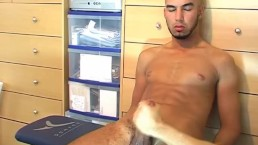 Full video: A sexy arab guy get wanked his very huge cock by a guy