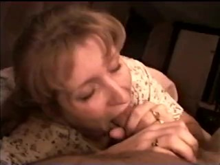 Sexy milf gives great blowjob before bed . Vintage 1992