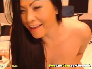 Gorgeous Asian Rubs her Clit Till She Orgasms