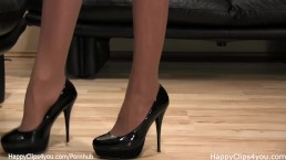 Mistress Anique black high heels shoe steps