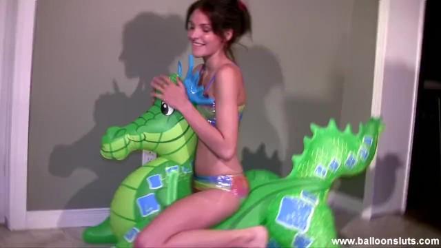 Green bikini pics Lola humps and tames the green dragon