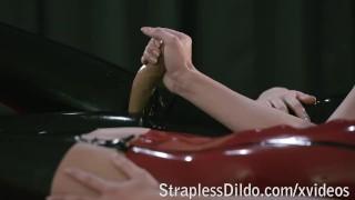 Lesbian Lust in Lubed Latex