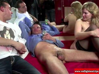 [Donkey Porn XXX] Exclusive video of a donkey fuck wife her Girl Nude And Donkey