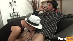 La Mafia Francese adora avere il cazzo umido