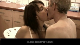 old man licking pussy videos