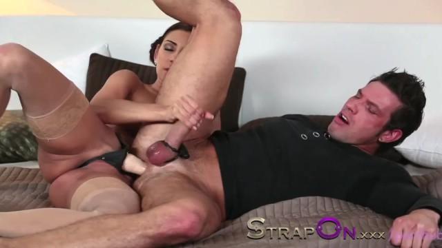 порно нарезка мужские страпон онлайн