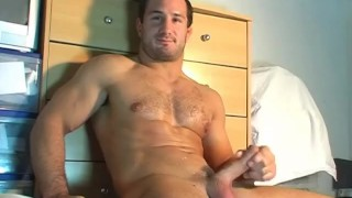 straight guys do it better ! Gay uncut