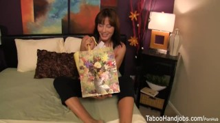 Mother's Day seduction - Zoey Holloway Taboo Handjob porno