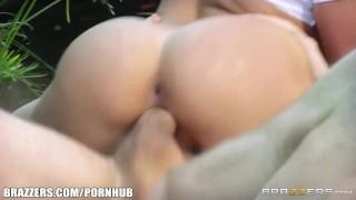 Sexy yoga with Mia Malkova - Brazzers