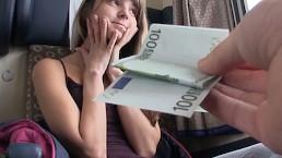Mofos - Gina Showt haar kleine tieten op de trein