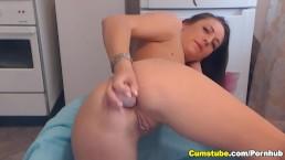 Cute Babe Toys her Ass