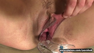 Beth Gapes Her Pussy And Pees porno