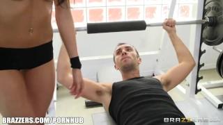 Kortney Kane's needs help stretching - Brazzers