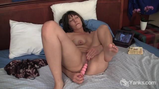 Brunette Lynn Masturbating Her Shaved Snatch - 7