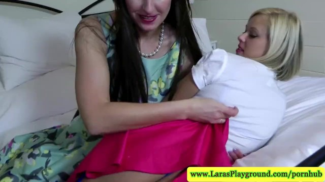 English classy MILF lez plays with young blonde - 7