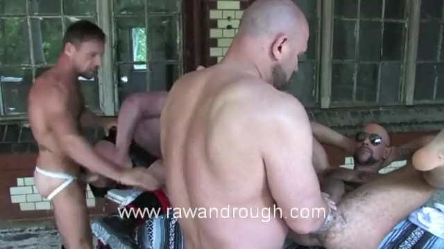 Fisting Euro Piss Pigs - 14