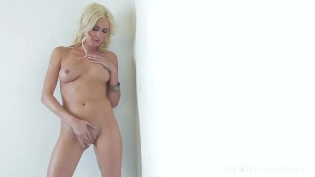 Sexy Victoria White Rubs Her Pussy - 12