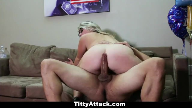TittyAttack - Busty Sunny Hart Celees The 4th Of July! - 8