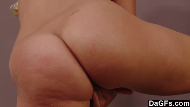 Sultry Blonde Beauty Bringing Herself To Orgasm - 10