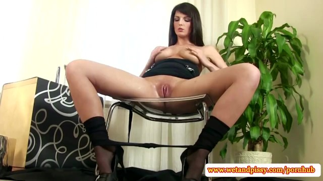 Solo goldenshower babe toying her pussy - 8