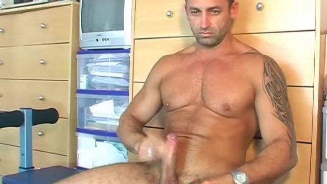 Renato serviced his big cock ! - 14