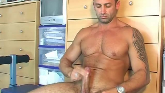 Renato serviced his big cock ! - 16