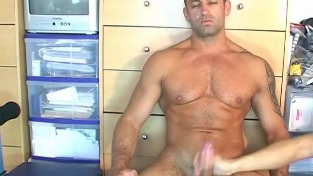 Renato serviced his big cock ! - 2