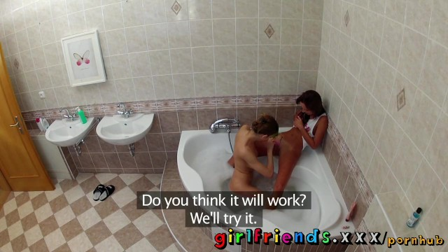 Girlfriends wash hair in bath and make hot pussy eating sextape - 5