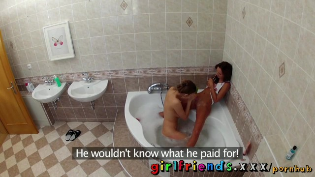 Girlfriends wash hair in bath and make hot pussy eating sextape - 6