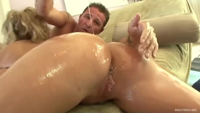 Oiled and ready to an orgy - 6