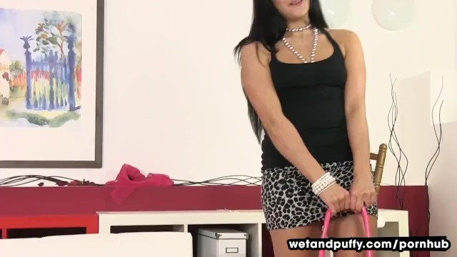 Pussy Stretching With Clair Brooks - 1