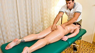 Curvy Claire Dames gets a sensual massage Brazzers