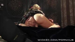Sexy sleeping beauty parody wicked cosplay