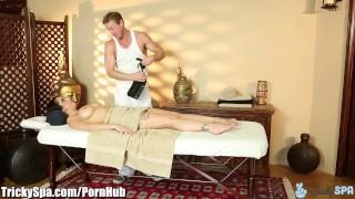 TrickySpa masseur Pounds clients Pussy