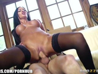 Sexy cop Elicia Solis sucks dick - Brazzers