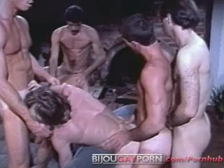 6 man orgy from 80 porn cabin fever...